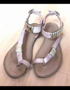 sandały złote ozdoby