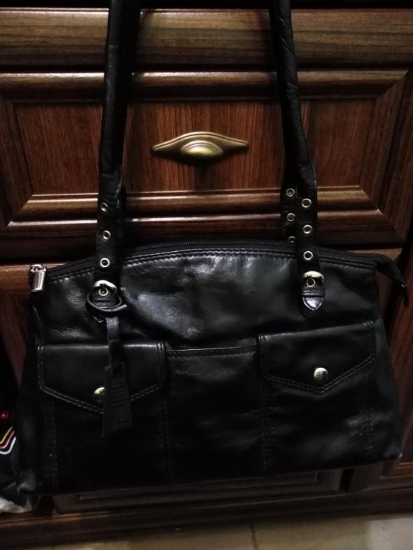 Czarna torebka