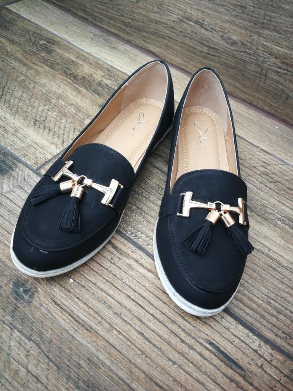 Czarne buty mokasyny z chwostami złoto 37 balerinki eleganckie buty