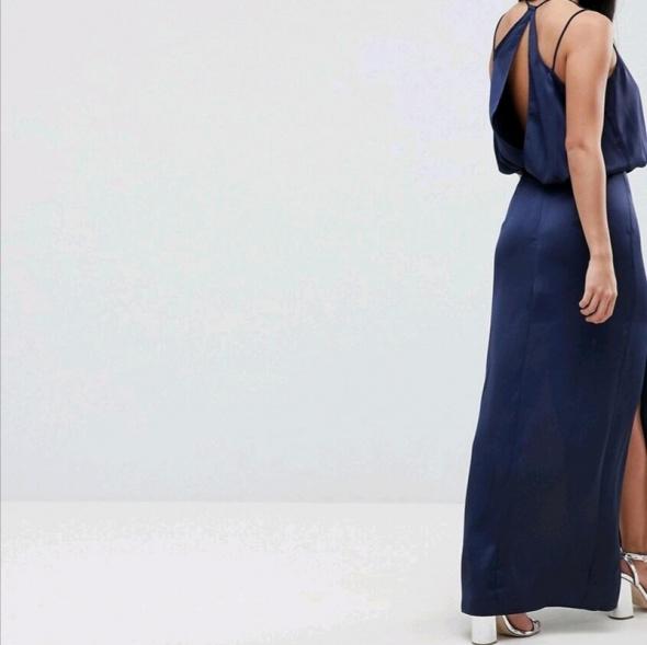 długa satynowa sukienka