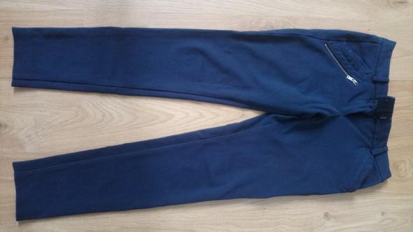 Spodnie używane z Mohito rozmiar 34...