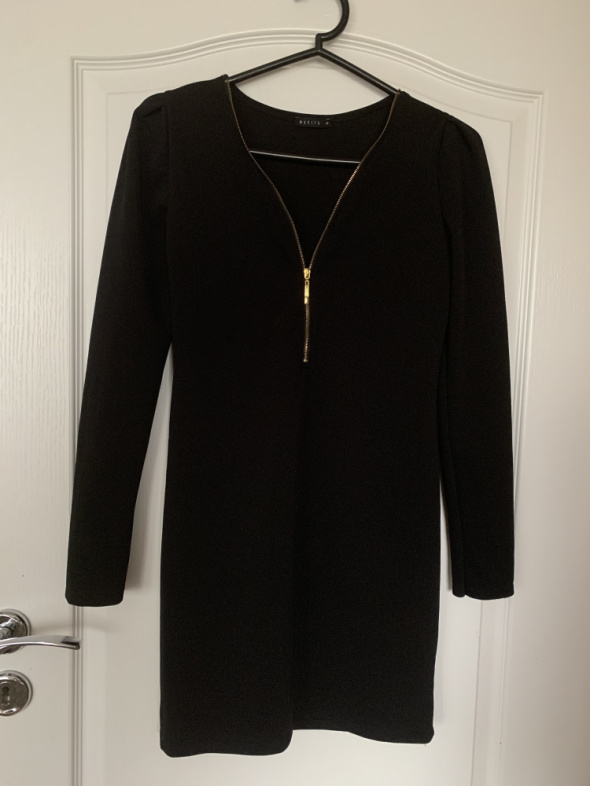Czarna sukienka Mohito XS...