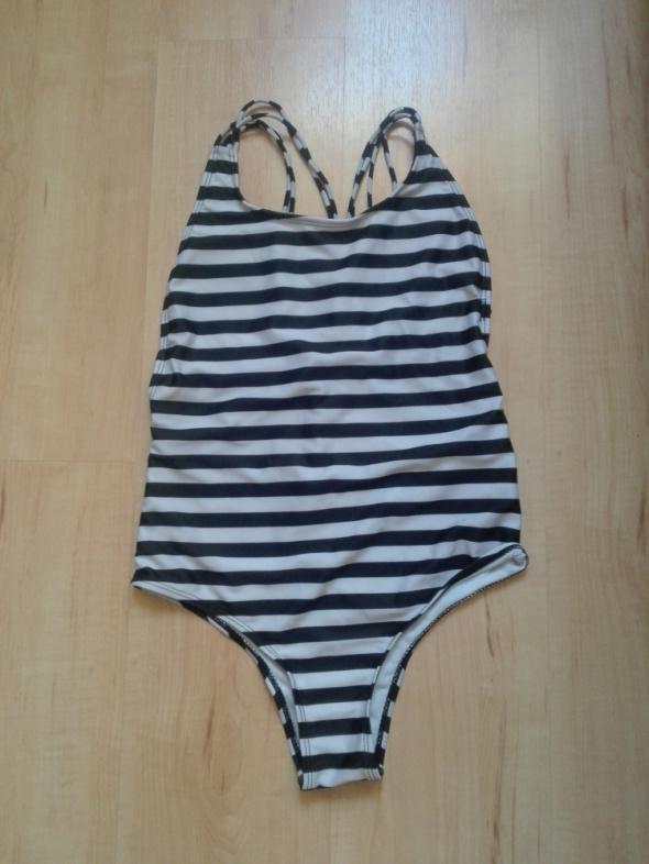 strój kąpielowy