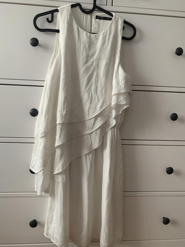 Suknie i sukienki Biała przewiewna sukienka Zara S
