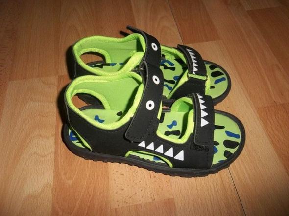 Sandałki 29