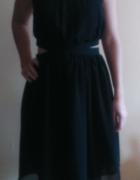 sukienka mała czarna Mango wycięcia...