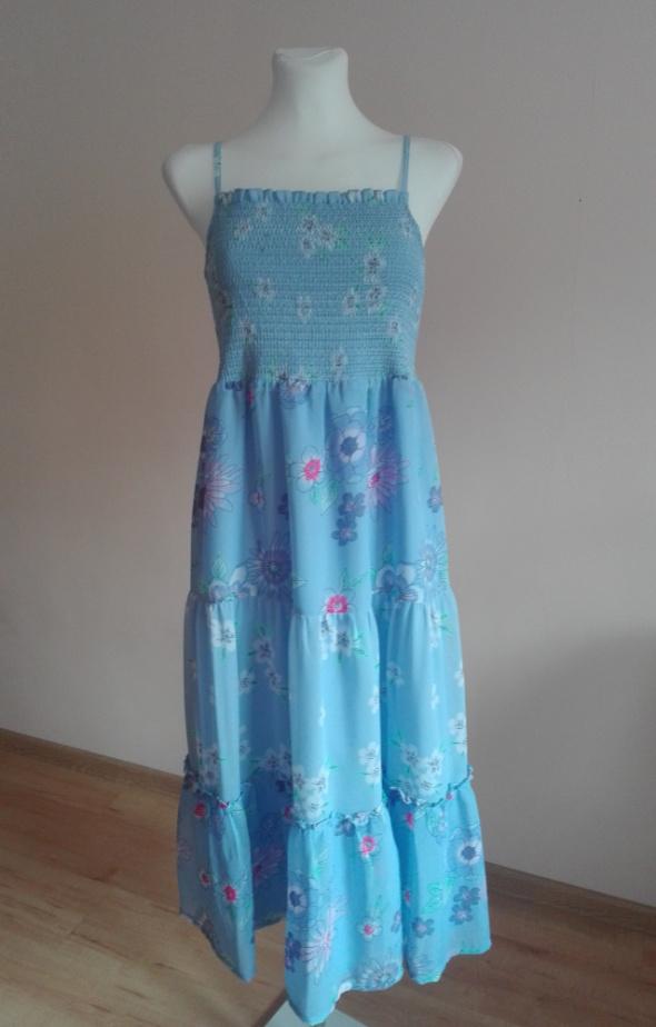 długa letnia sukienka...