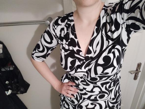 Czarno biała sukienka H&M...