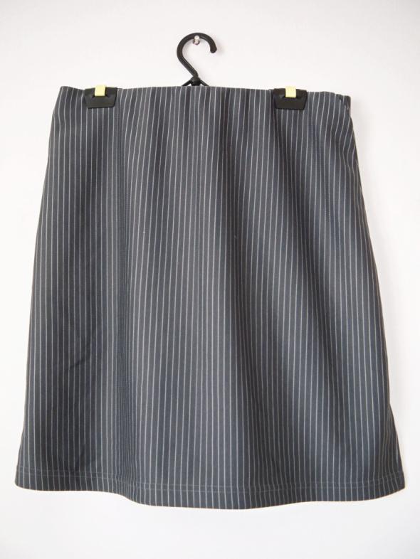 Szara spódnica w prążki w paski elegancka mini biuro...