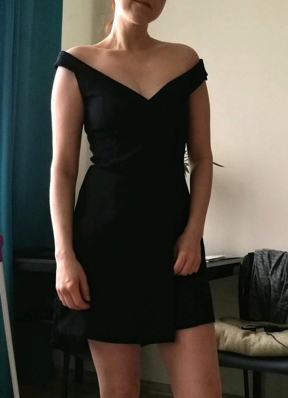 Suknie i sukienki Czarna sukienka koktajlowa rozmiar M Bershka Nowa z metką