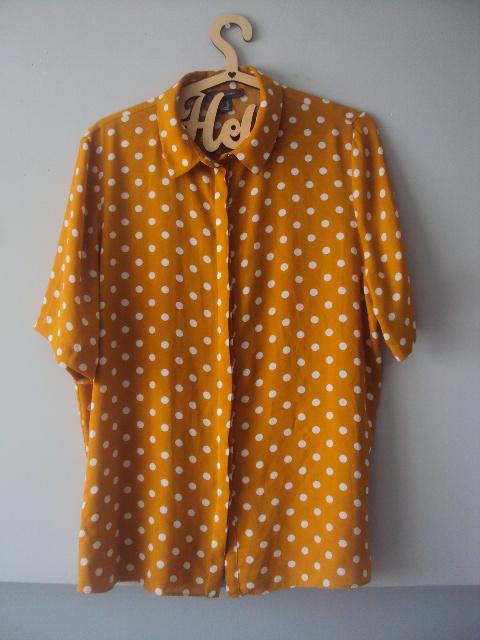 musztradowa koszula w groszki...