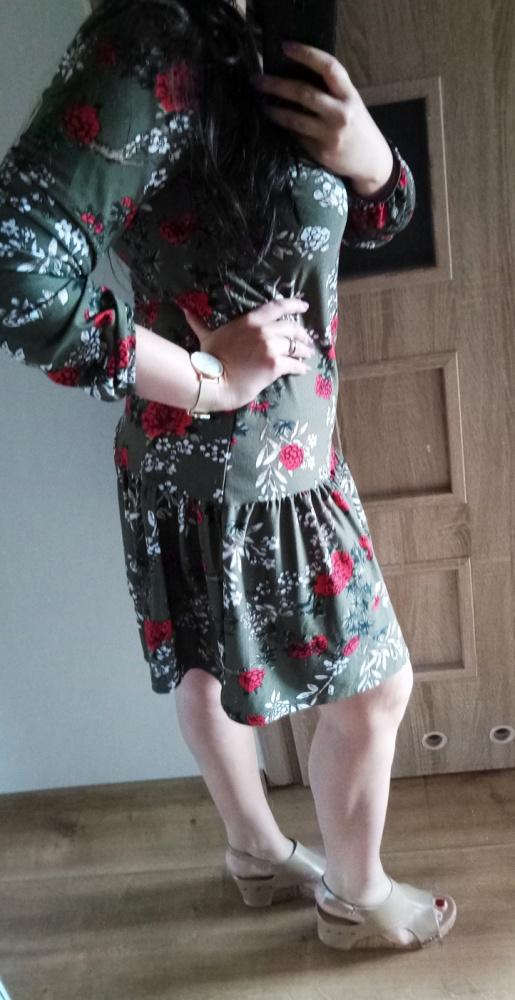 Suknie i sukienki Modna sukienka z falbaną kwiatowy wzór