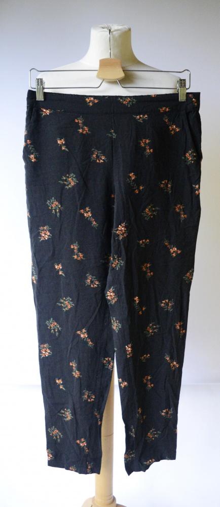 Spodnie Cubus Czarne Kwiaty Dresowe M 38 Chinosy