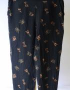 Spodnie Cubus Czarne Kwiaty Dresowe M 38 Chinosy...