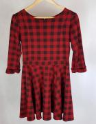 Sukienka w kratę czarny czerwony z koła M