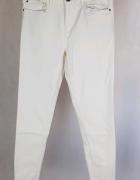 Nowe białe rurki postrzępione Esmara 38...