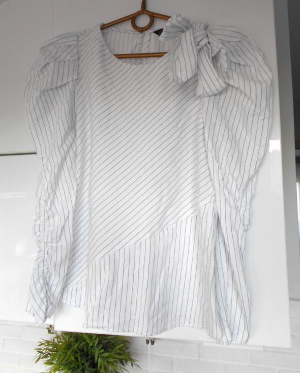 Zara bluzka w prążki biała kokarda bufki