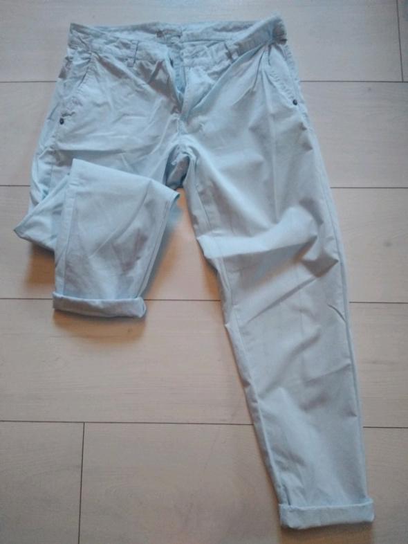 Spodnie al a chinosy 34