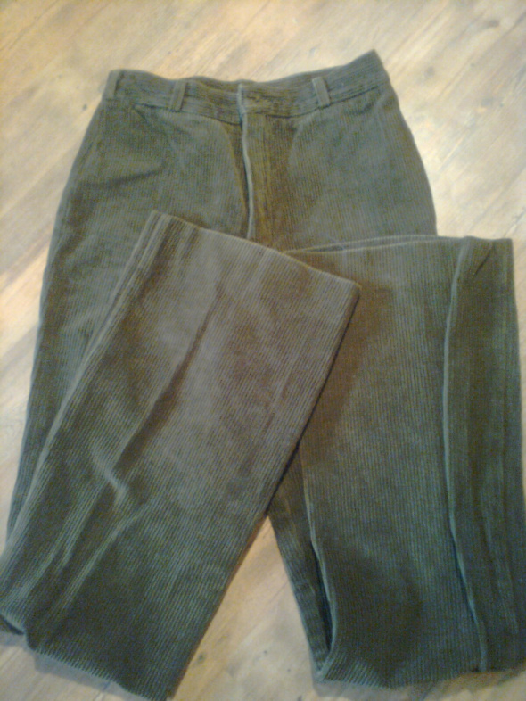 Spodnie sztruksowe rozmiar 36