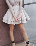Koronkowa rozkloszowana sukienka Loola...