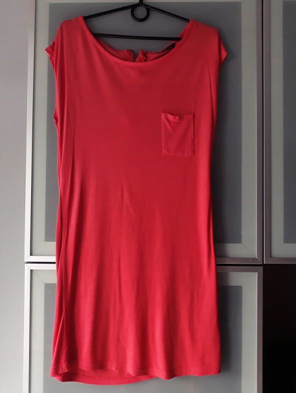Sukienka malinowa House rozmiar M