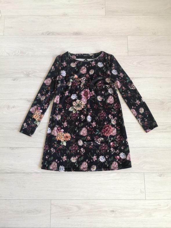 Sukienka welurowa Mohito S M kwiaty...