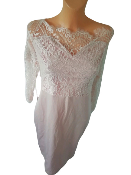 Pudrowa sukienka z kotonką