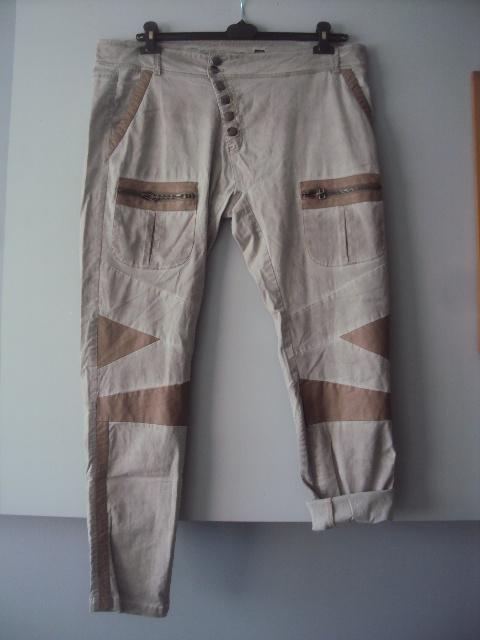 oryginalne spodnie na guziki