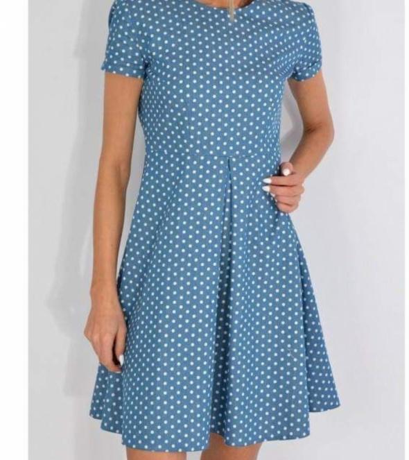 Sukienka w groszki Forseti