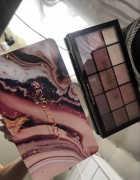 2palety cieni make up revolution reloaded forever flawless allure icon