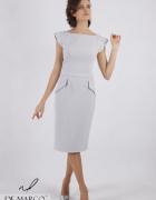 Ołówkowa sukienka za kolano z ekskluzywnymi koralikami De Marco...