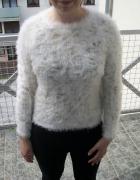Śliczny modny sweterek złote nitki Atmosphere M...