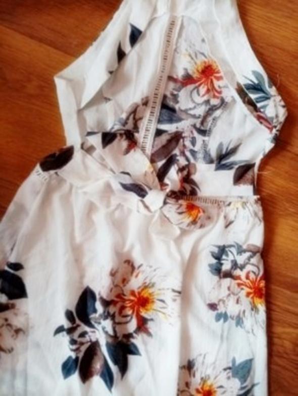 Suknie i sukienki NOWA maxi w kwiaty bez pleców S