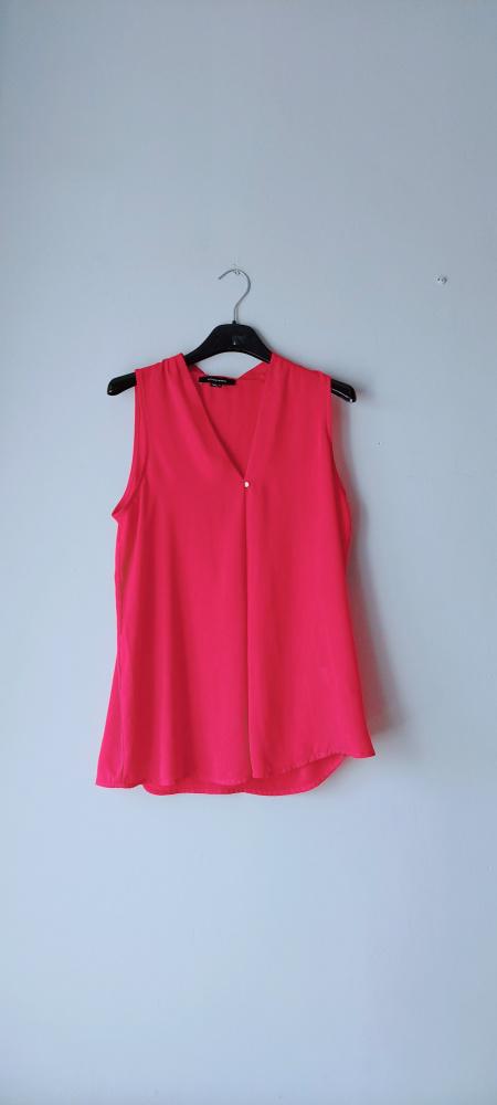 Idealna czerwona bluzka bez rękawów M
