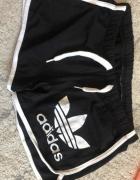 Spodenki Adidas...