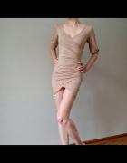 Sukienka beżowy z rękawem