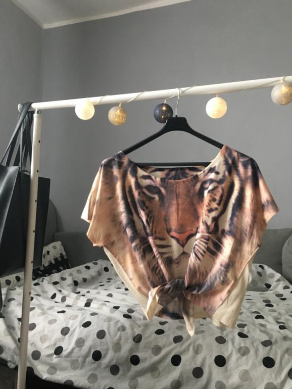 Bluzka oversize z tygrysem