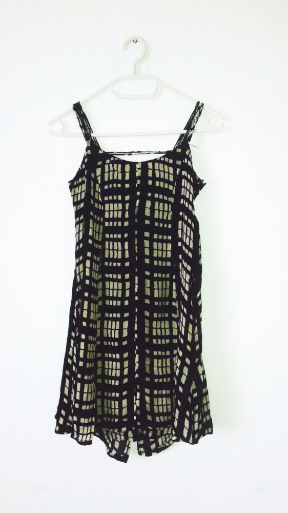 Suknie i sukienki Letnia czarna sukienka w beżowe kwadraty vintage