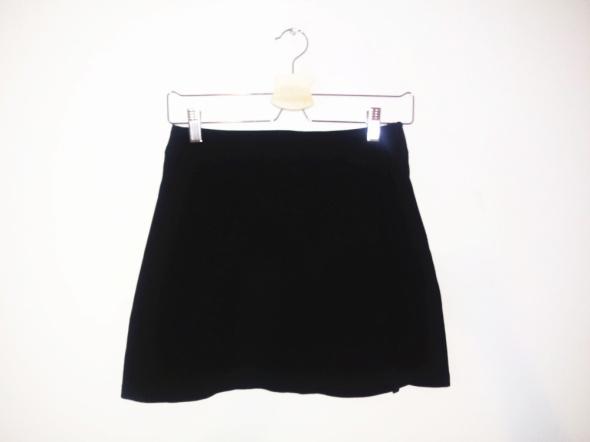 Spódnice Krótka czarna spódnica mini trapezowa basic gotycka spódniczka