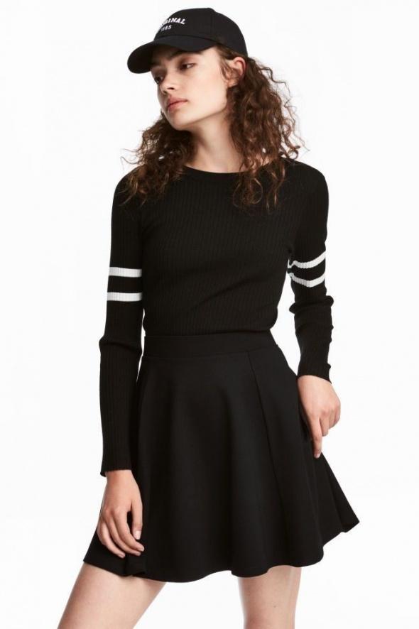 czarna biała bluzka H&M xs 34 sweter koszulka...