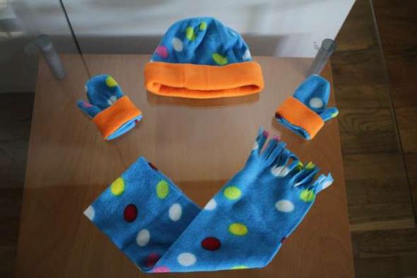 Komplety zestaw komplet czapka szlik szal rękawiczki prezent święta