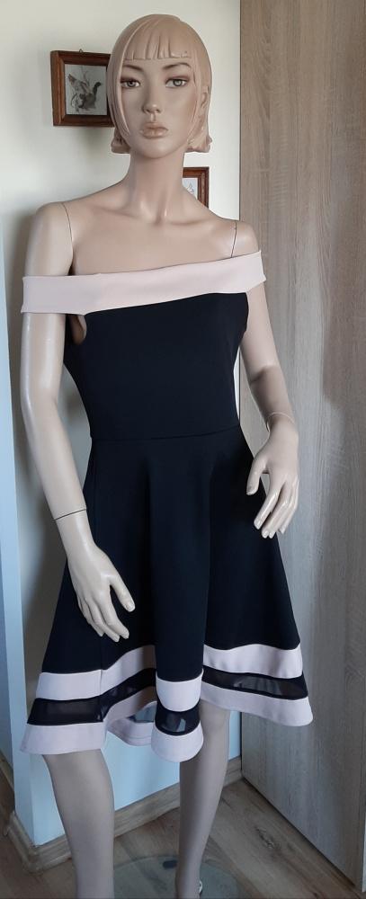 Asymetryczna sukienka koktajlowa