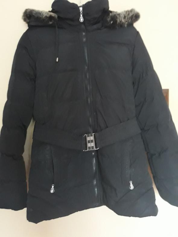 Kurtka czarna zimowa z futerkiem na kapturze Hikis Fashion...