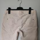 Dłuższe szorty biało różowe paski