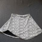 spódnica w gruby tłoczony wzór