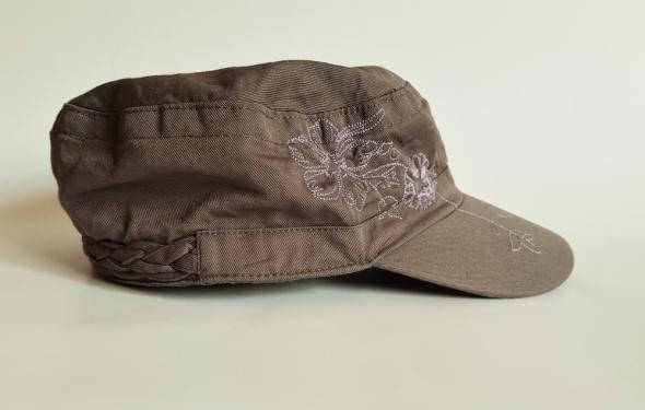 Nakrycia głowy NOW ON Czapka z daszkiem patrolówka z haftem 58 cm