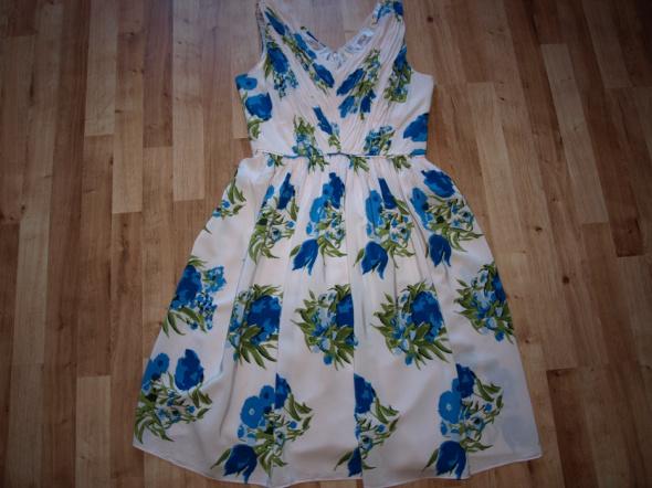 Sukienka w kwiaty L