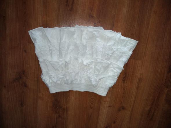 spódnica z koronką i falbaną biała