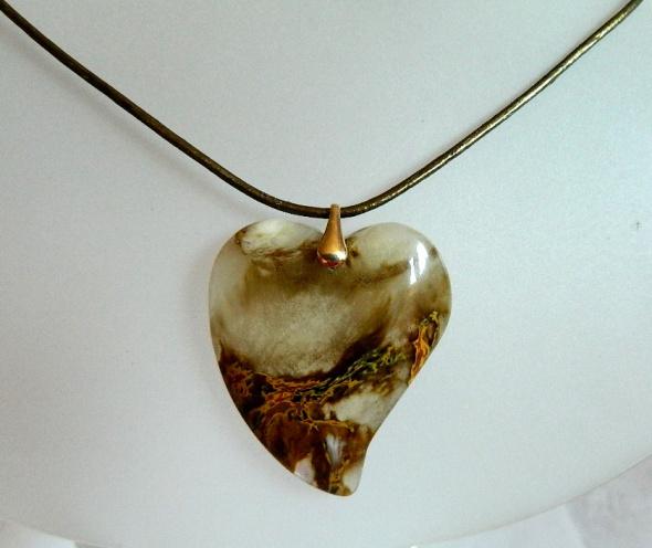 Piękny kryształ z duchem kwarc fantomowy serce