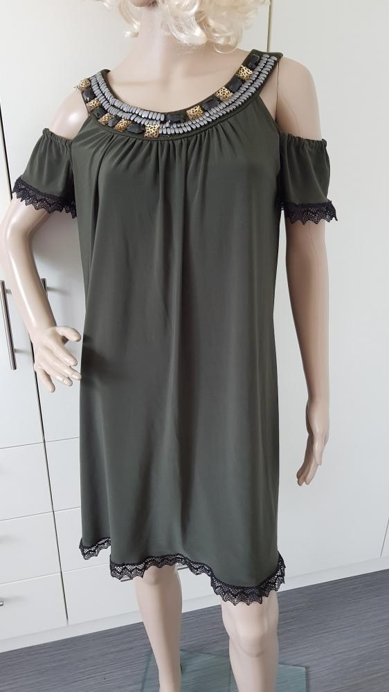 Sukienka z kamieniami w kolorze khaki...